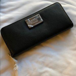 BNIB Marc Jacobs wallet